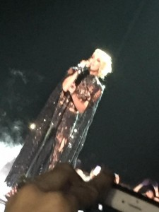 """Carrie Underwood gave an incredible performance of her single """"Church Bells"""""""